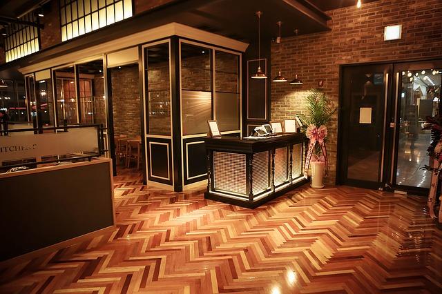 restaurant-1102039_640