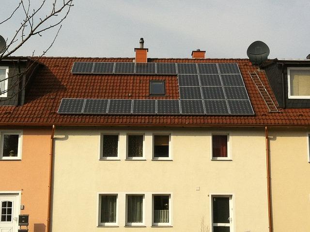 יתרונות של מערכות סולאריות ביתיות