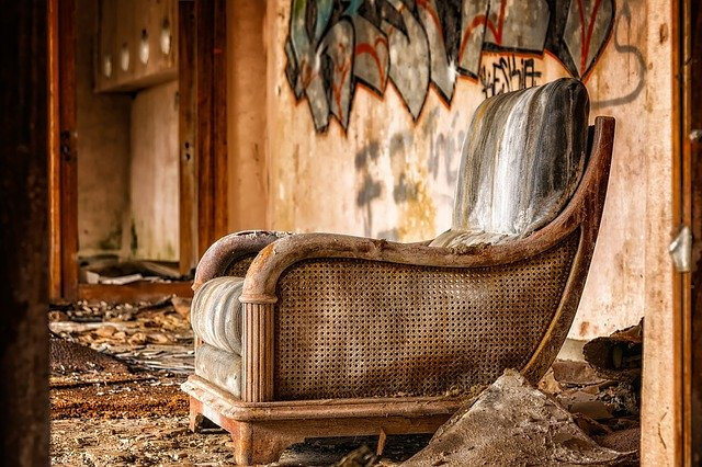 שיפוץ רהיטים ישנים – היתרונות הכלכליים והסנטימנטליים